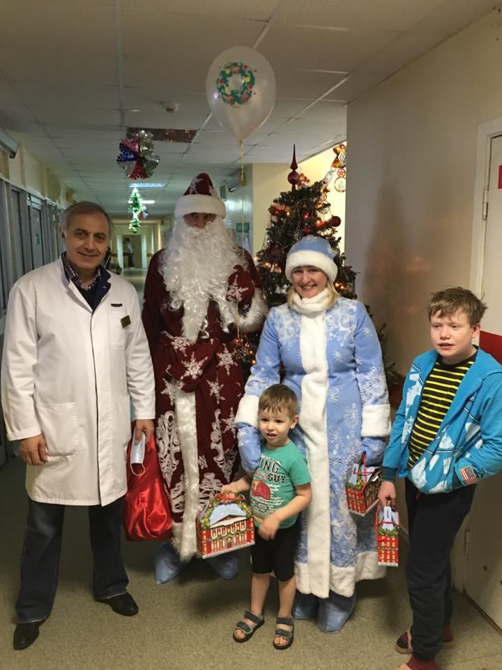 Празднование Рождества в детской больнице им. З. А. Башляевой