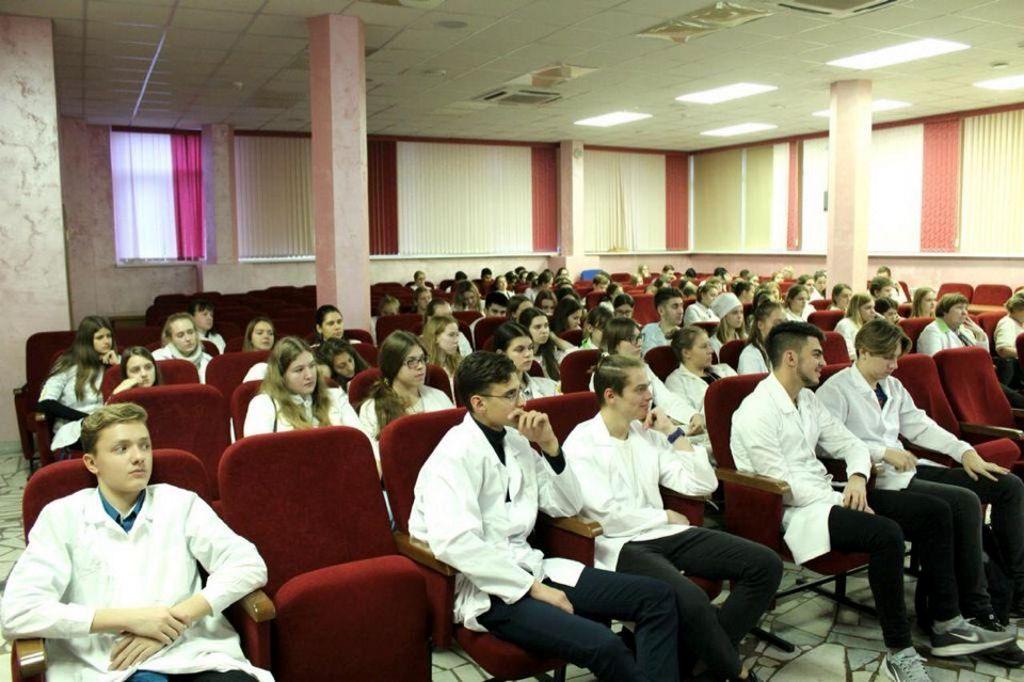 23 октября 2018 года в конференц-зале больницы собрались все волонтеры-медики школ СЗАО г.Москвы. В течение года, в рамках договора о сотрудничестве, школьники будут обучаться практическим знаниям в медицинском классе.