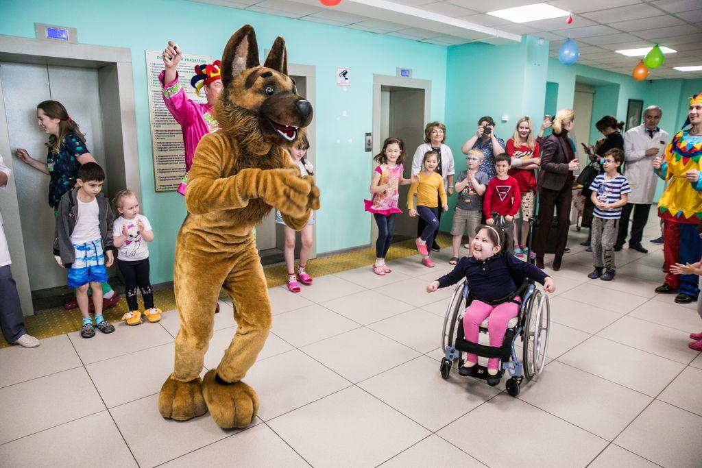 Сегодня Национальный центр помощи детям провёл для детей, которые находятся в больнице очередное праздничное мероприятие, посвящённое масленице.⠀
