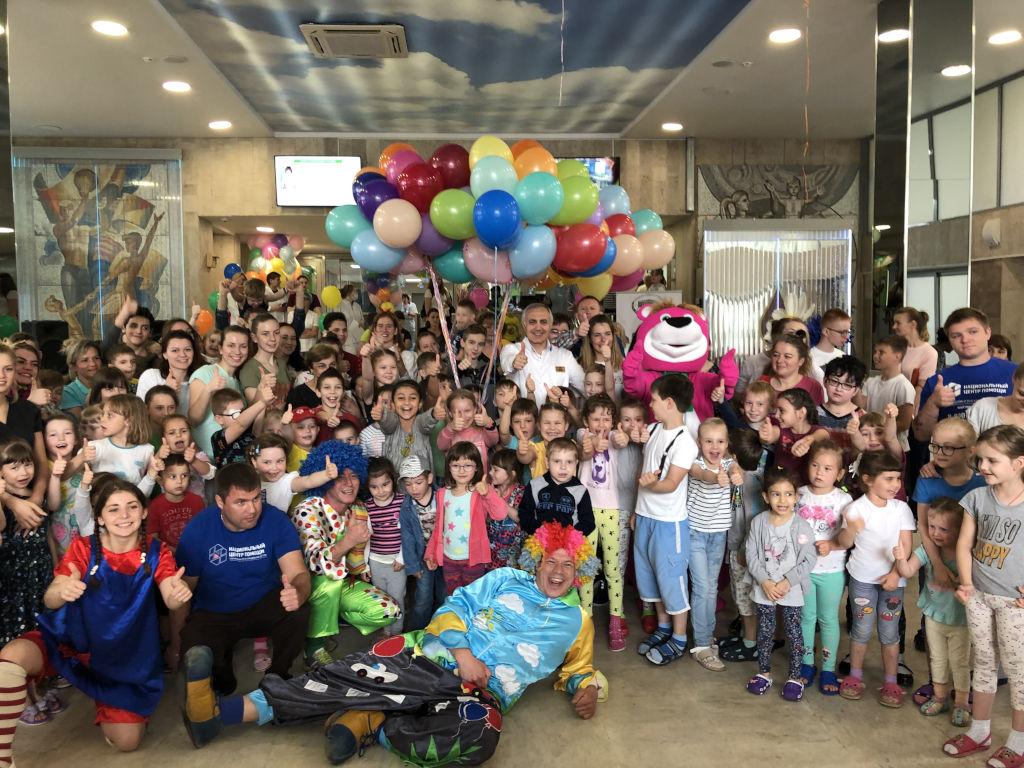 Сегодня в больнице прошли очередные праздничные мероприятия  в честь Международного дня защиты детей. Мы делаем все для того, чтобы даже в больнице дети чувствовали себя счастливыми