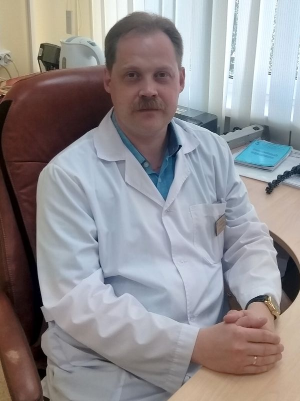 Сафронов Денис Леонидович, Кандидат медицинских наук, Заведующий неврологического отделения