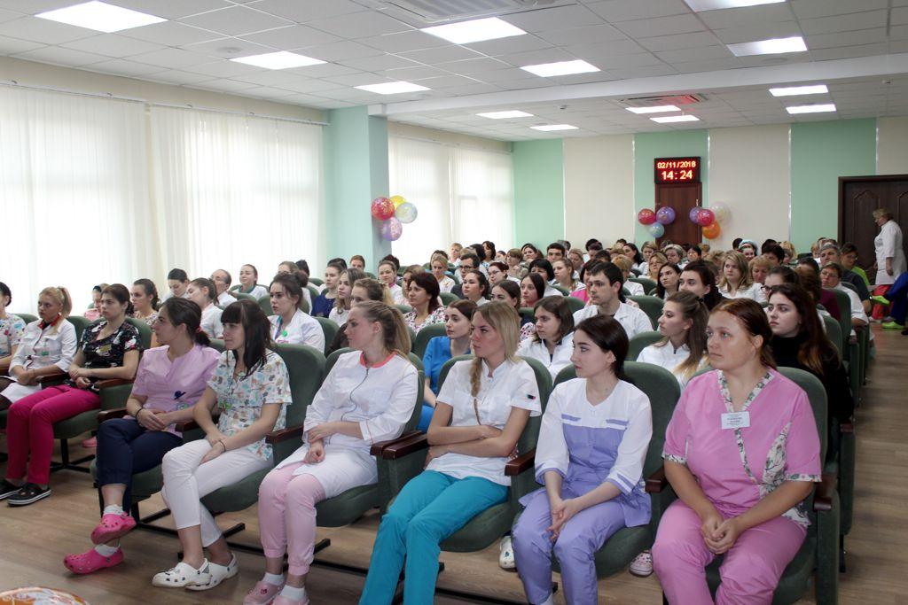 2 ноября 2018 года в нашей больнице прошло, ставшее уже традиционным, торжественное мероприятие - посвящение в профессию медицинской сестры
