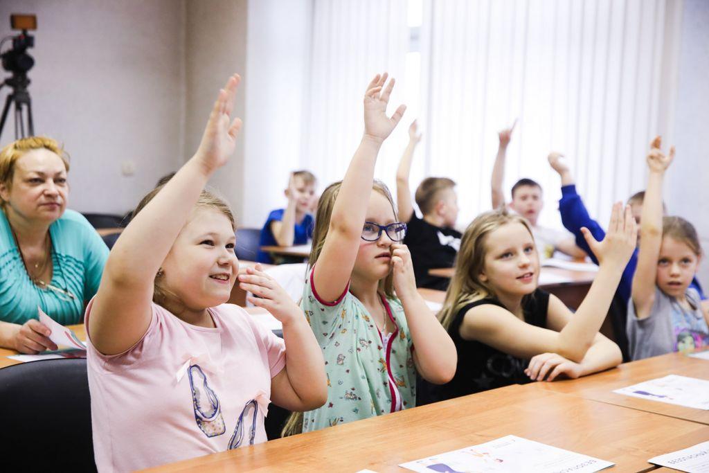 В рамках акции «Месяц безопасного интернета» 19 марта сотрудники Национального центра помощи детям провели занятия для ребят разных возрастов, которые находятся у нас на лечении.