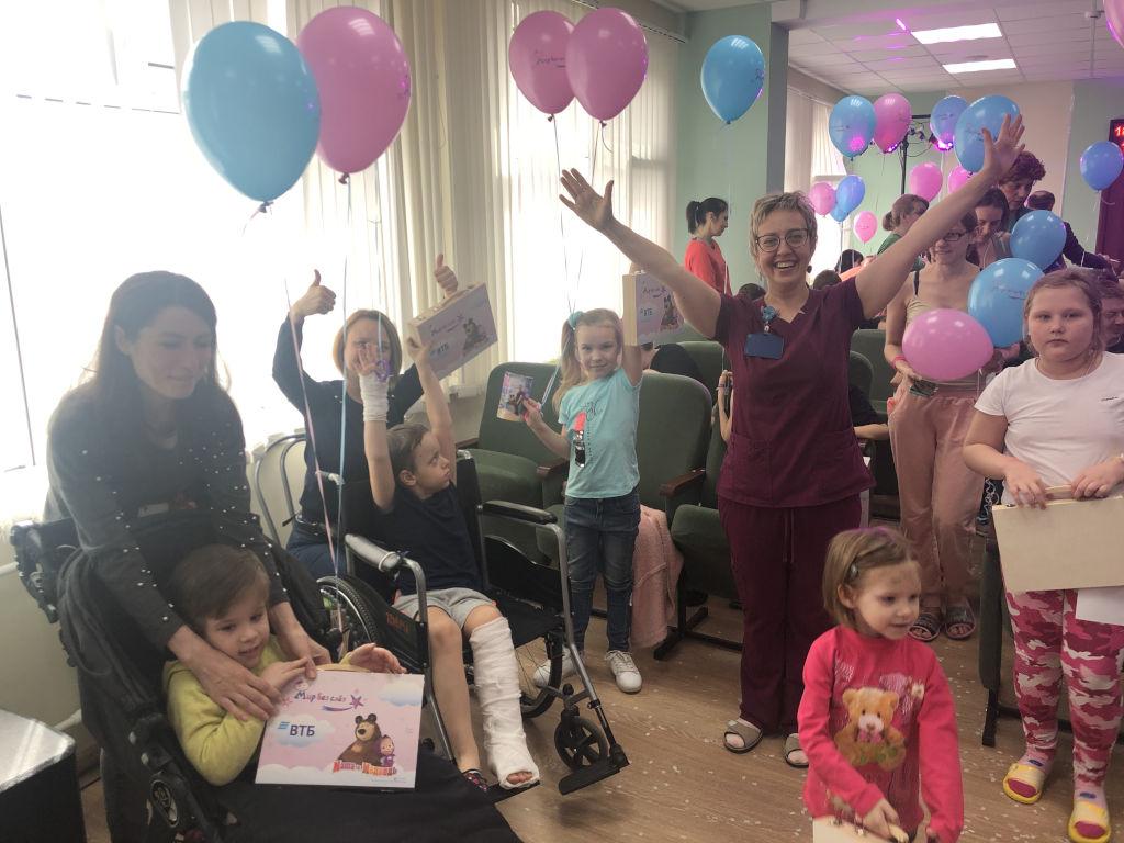 Сегодня в нашей больнице состоялась акция «Мир без слез» благотворительной программы банка ВТБ