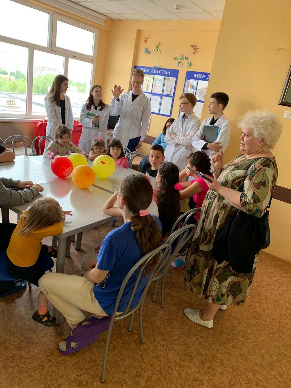 21 мая в рамках проекта «Культурное наследие детям», мы провели мастер - класс «Народное творчество», который прошел в эндокринологическом отделении
