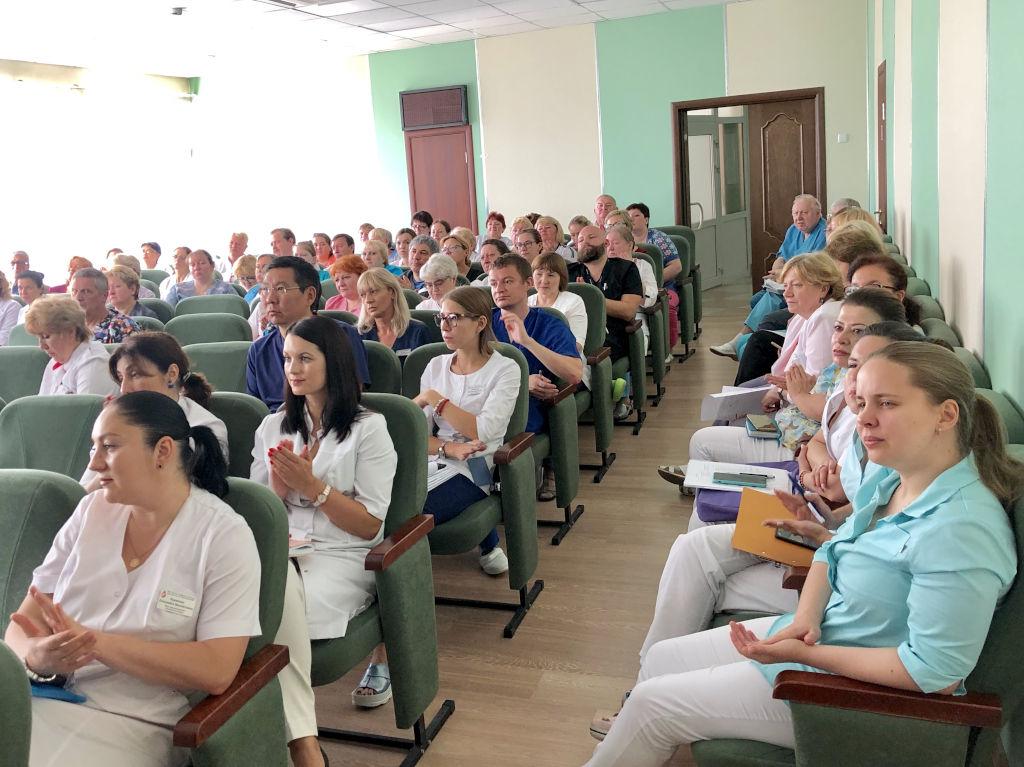 Сегодня на очередной клинической конференции были подведены итоги конкурса за прошедший месяц за титулы: «Лучший врач», «Лучший заведующий отделения», «Лучшая медицинская сестра», «Лучшая старшая медицинская сестра»