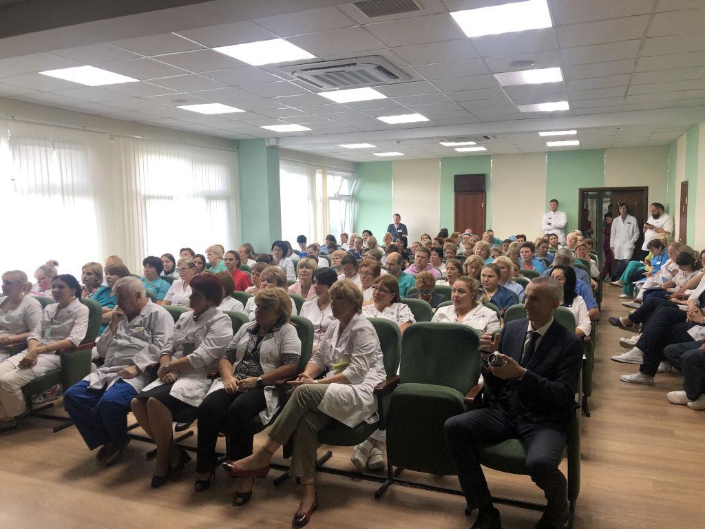 В очередной раз нашу больницу посетил депутат Госдумы и академик РАН Геннадий Онищенко и сделал прекрасный доклад о достижениях и перспективах отечественного и московского здравоохранения.