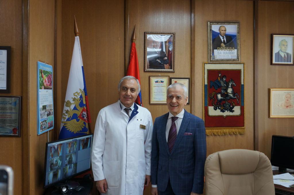 В очередной раз нашу больницу посетил депутат Госдумы и академик РАН Геннадий Онищенко