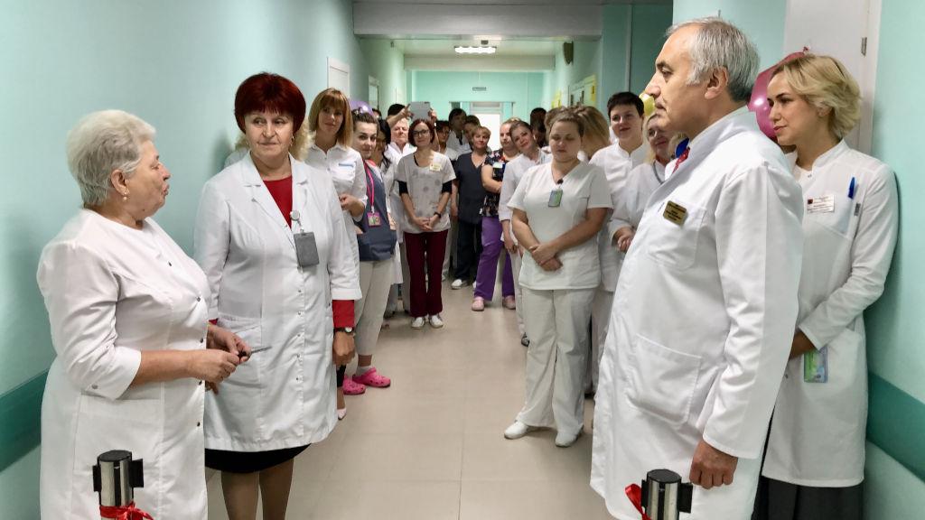 Сегодня после ремонта мы открываем очередное отделение - 5 инфекционное, где лежат дети старшего возраста с ОРВИ и пневмонией