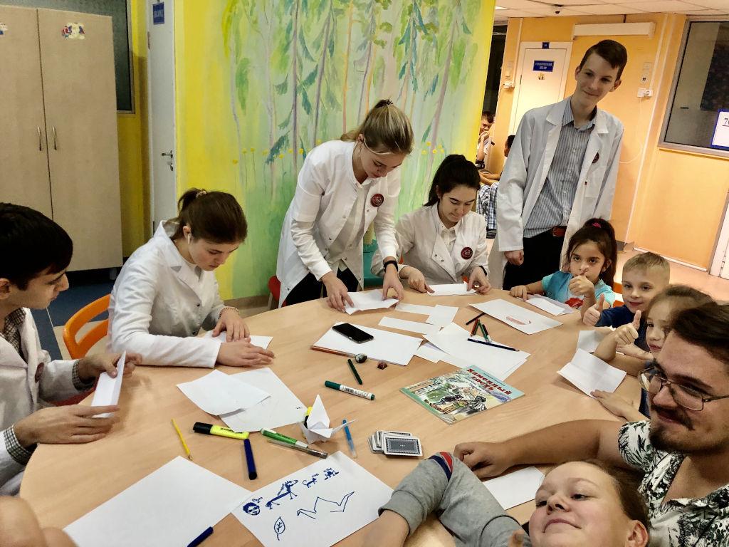 старшеклассники школы № 1517 посетили отделения нефрологии, хирургии, кардиологии и неврологии