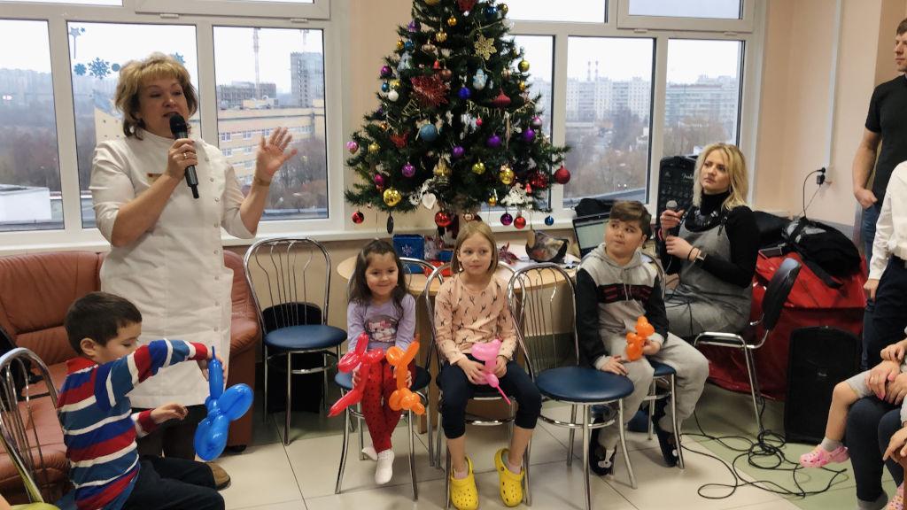 новогоднее мероприятие в этом году провели юные медики из школы №1298