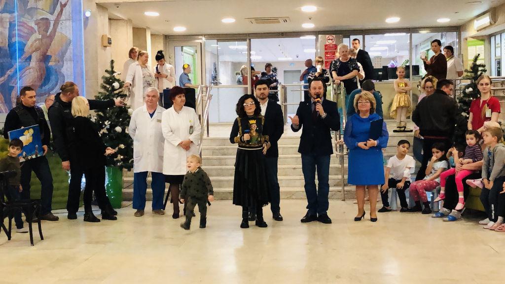 Диана Гурцкая поздравила наших детей своим замечательным выступлением и всех порадовала своим чудесным голосом