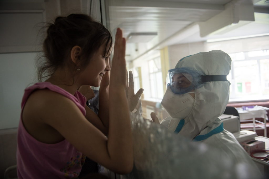 Главный педиатр Москвы: Школьные каникулы привели к снижению доли детей с COVID-19