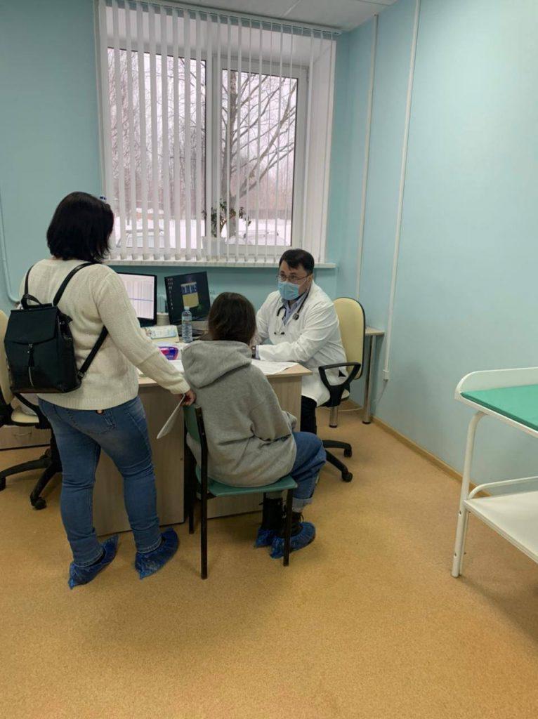 В минувшие выходные бригада квалифицированных врачей нашей больницы провели в г. Костроме день открытых дверей с целью оказания медицинской помощи детям с хроническими заболеваниями