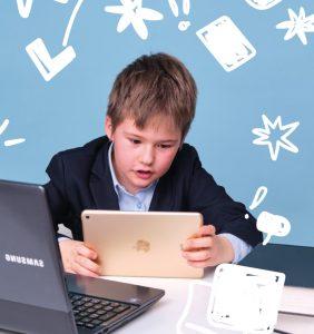 Советы главного педиатра, как обустроить рабочее место школьника дома